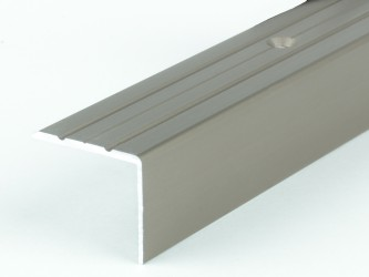 Порог анодированный для защиты кромок ступеней, 24 мм х 20 мм , с крепежом. Инд.упаковка. Арт. Д24х20